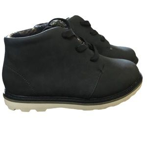 Boys Laced Boots Gray NWOT Cat & Jack